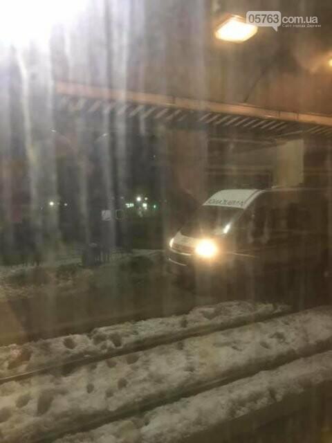 Пассажиры харьковской электрички наткнулись на страшную находку: «истекал кровью», фото-1