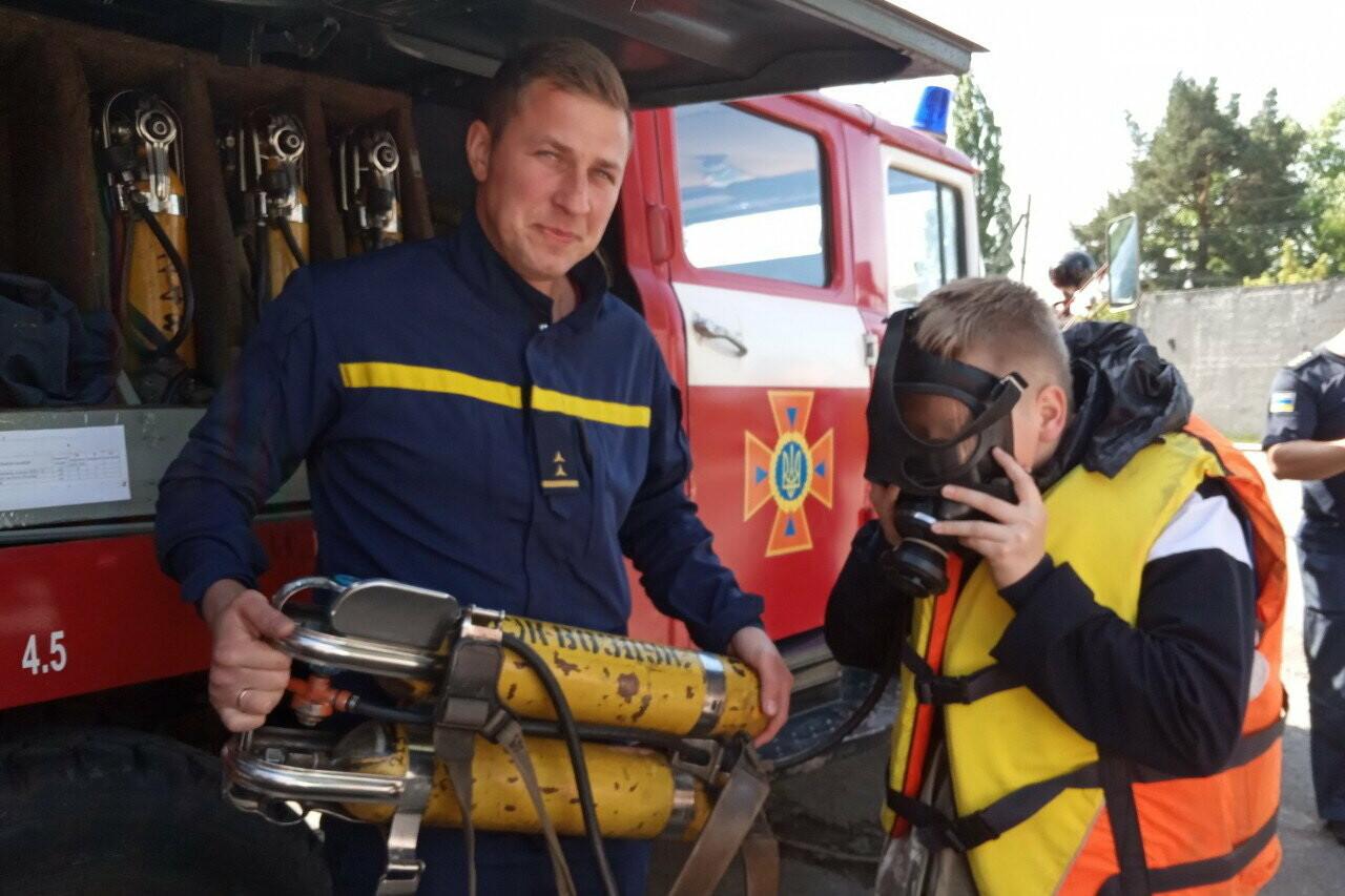 Дергачевский район: интересную экскурсию провели спасатели в пожарном депо , фото-1