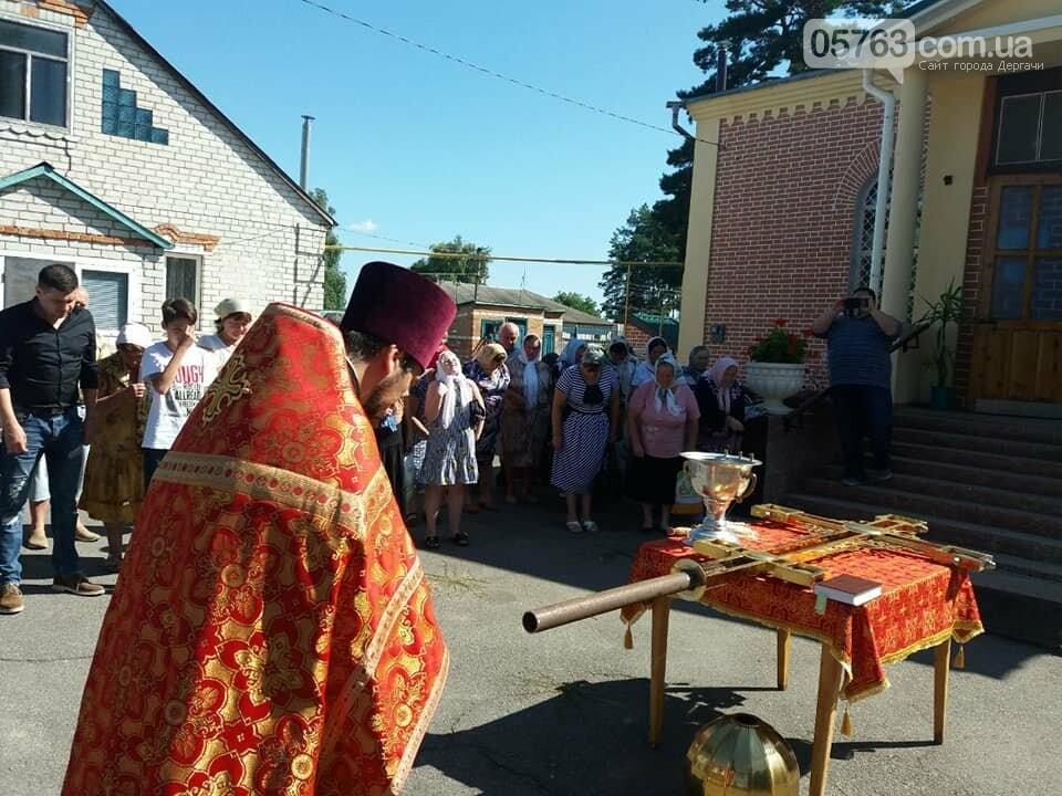 В Свято-Иоанно-Богословском храме установили накупольный крест, фото-1