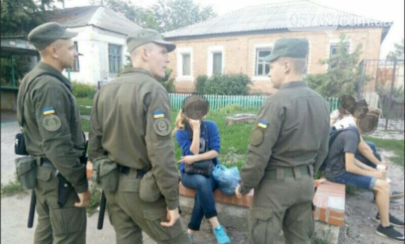 Полицейские совместно с военными следят за правопорядком в Дергачевском районе, фото-8