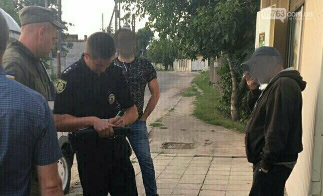 Полицейские совместно с военными следят за правопорядком в Дергачевском районе, фото-12