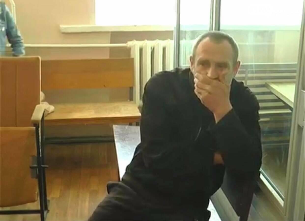 Владелец питбулей, которые покусали парня, прячется и не хочет отдавать деньги на лечение, фото-1