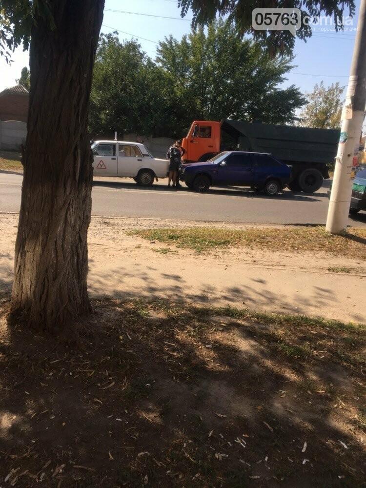 В Дергачах водитель врезался в учебный автомобиль (Фото), фото-1